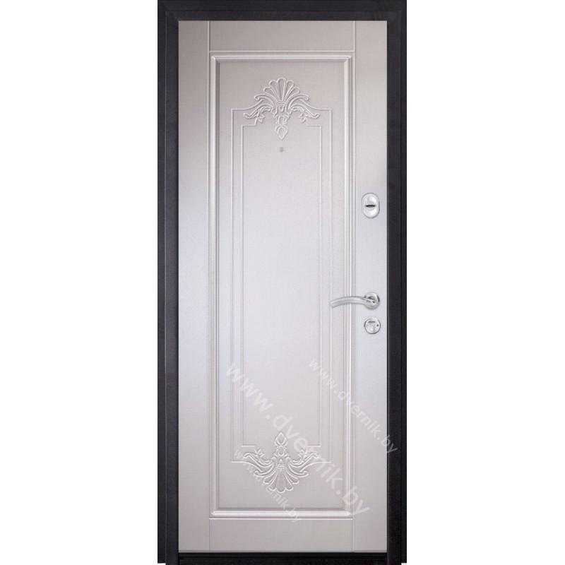 Входная белая дверь ХК-12