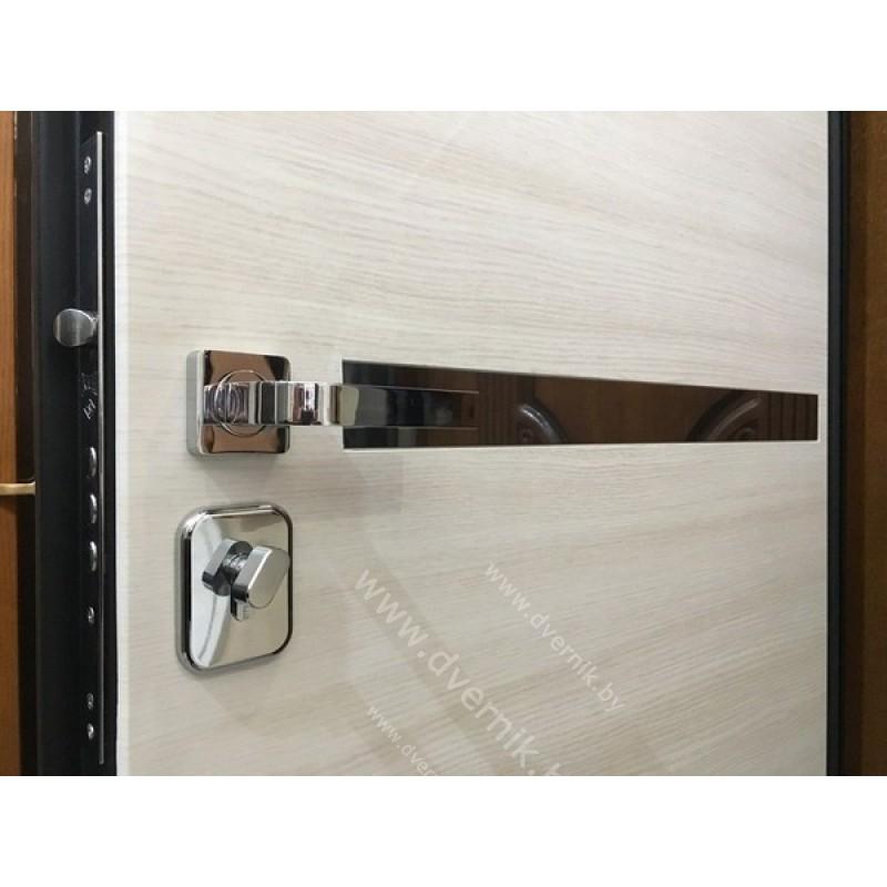 Входная дверь М-8
